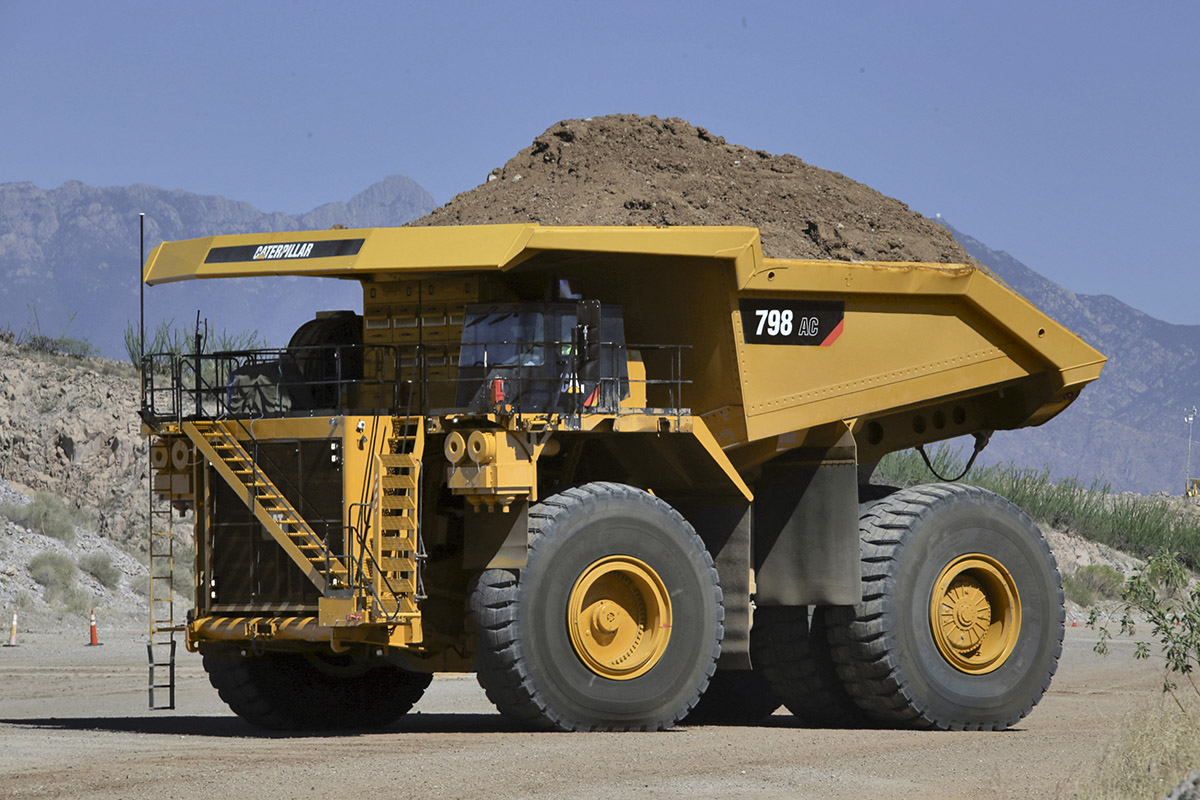 caterpillar anuncia dos camiones ultra clase mineria pan americana. Black Bedroom Furniture Sets. Home Design Ideas
