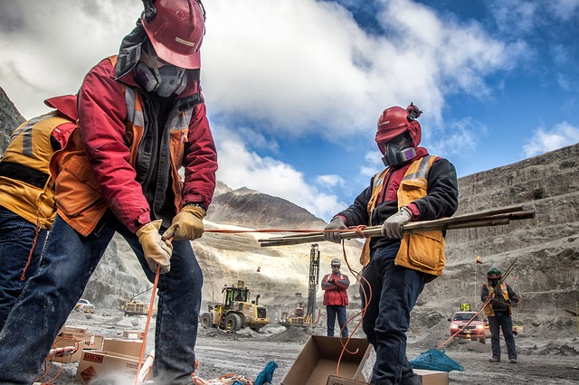 Perú iniciará la construcción de seis proyectos mineros en 2019 ...