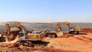 Dos excavadoras sobre orugas Liebherr R 976 dejan huella en una mina africana