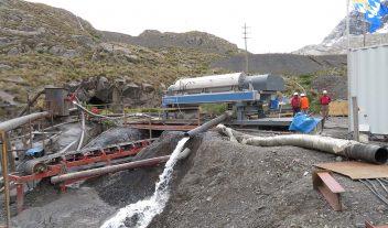 Beneficios de los decantadores en Minería