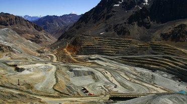 Codelco cambia los principales motores de sus molinos de bolas SAG en la División Andina